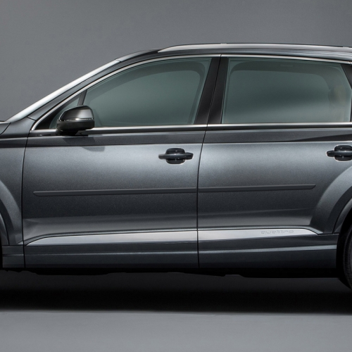 AUDI Q7 PAINTED BODY SIDE MOLDING 2007 - 2020